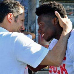 """Ilyen előzményekkel került Davies a Bayernhez – """"Hasan többet látott benne, mint mindenki más"""""""