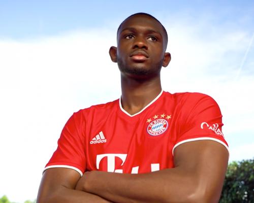 """Hivatalos: Kouassi négy éves szerződést kötött a Bayernnel – """"Keményen fogok dolgozni"""""""
