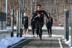 17 éves osztrák középpályást igazolt a Bayern