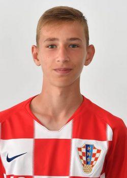 16 éves horvát tehetségre csaphat le a Bayern