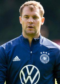 Neuer: Vissza akarunk térni a világ tetejére
